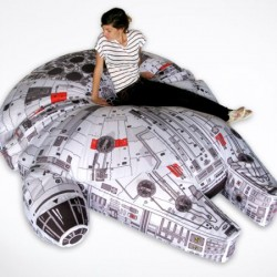 millenium-falcon-beanbag-chair