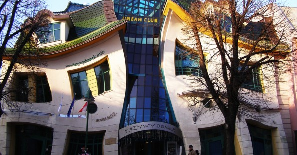 Crooked House by Szotnyscy ZaleskiCrooked House by Szotnyscy Zaleski