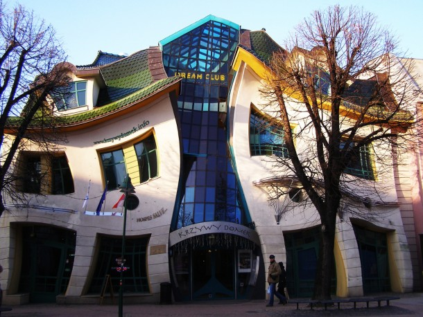 Crooked House by Szotnyscy ZaleskiCrooked House by Szotnyscy Zaleski