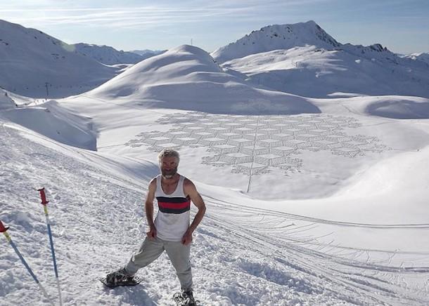 Snow patterns by Simon BeckSnow patterns by Simon Beck