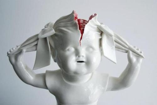 Creepy porcelain sculptures by Maria Rubinke