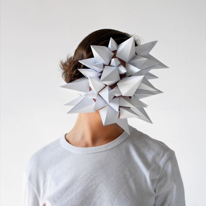 Paper Face by Héctor Sos