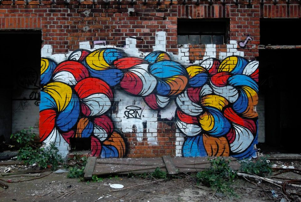 Crin and his vibrant creations between Street Art and Canvas