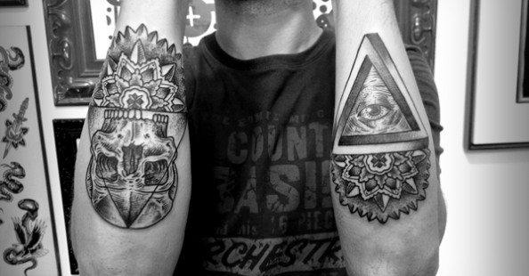 Black line tattoo by Guilherme Hass